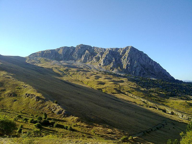Serra_di_Celano_-_panoramio
