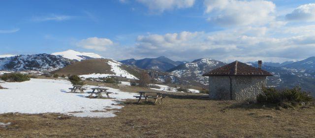 Alla scoperta del paese fantasma di Sperone e della vetta del Monte Serrone